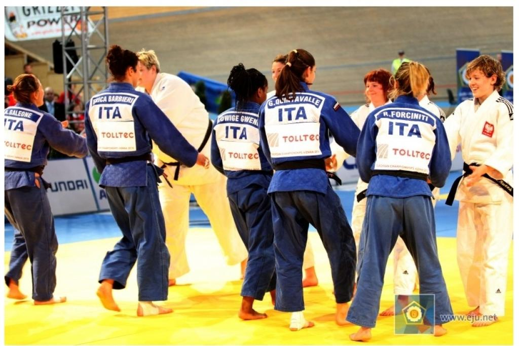 Italy enjoys gold medal success at women Team event