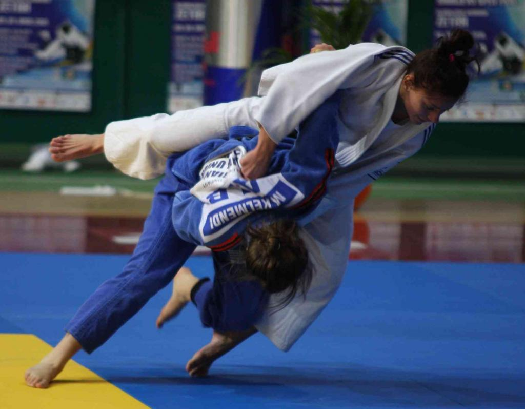 Russia wins medal tally in Sarajevo at European Cup with odd legion
