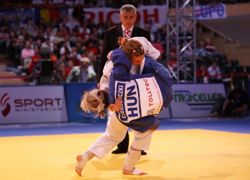 Alina Dumitru (ROU) takes sixth European title