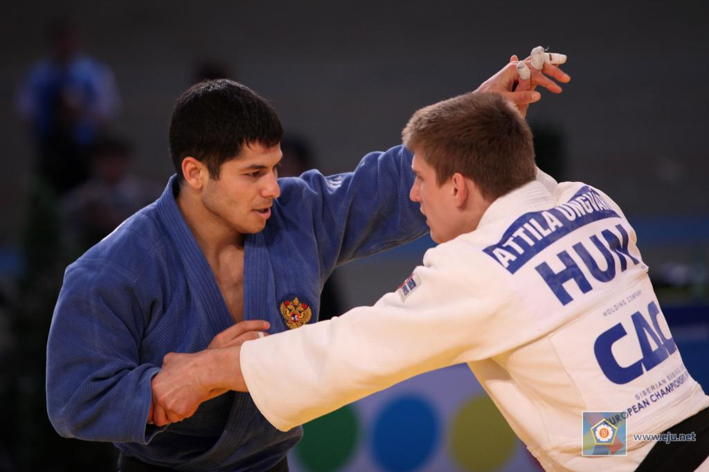 Russians excel at home at Grand Slam of Moscow