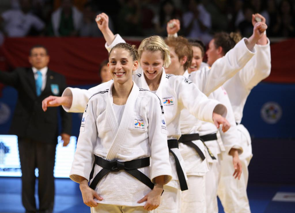 Netherlands takes World team title