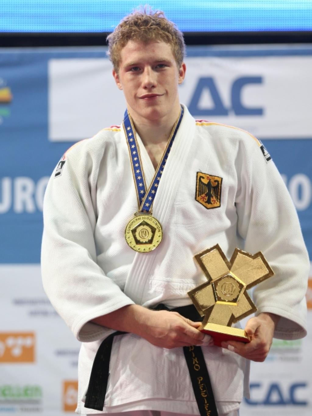 Dino Pfeiffer wins European U23 title U100kg