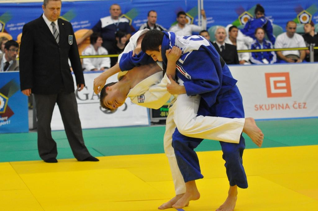 Ukraine and Kazakhstan win double gold at ECup in Teplice