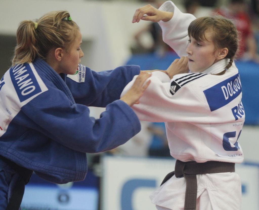 Irina Dolgova wins tremendous triple at World Cadet Championships