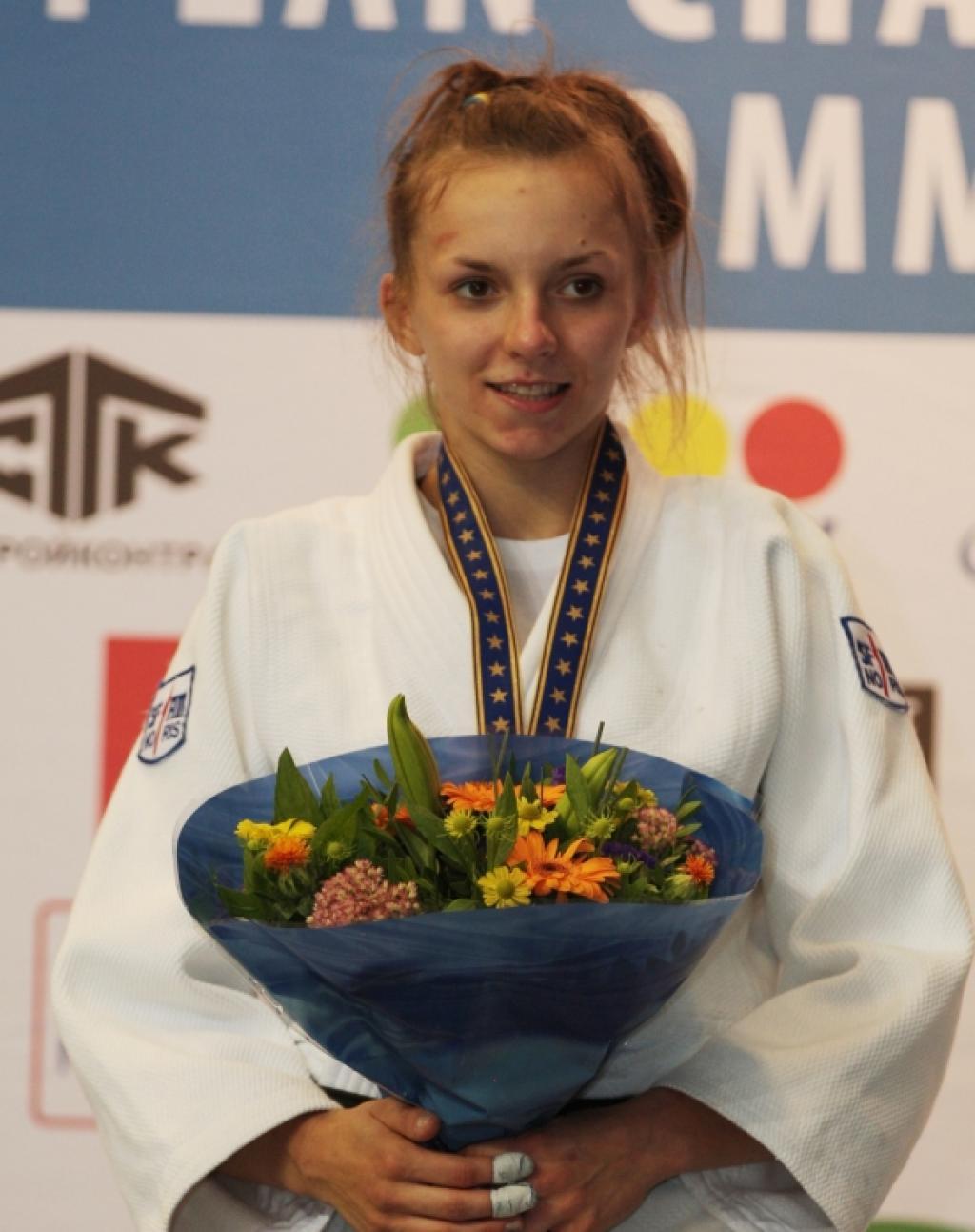 Oleksandra Starkova puts the Ukraine into front countries