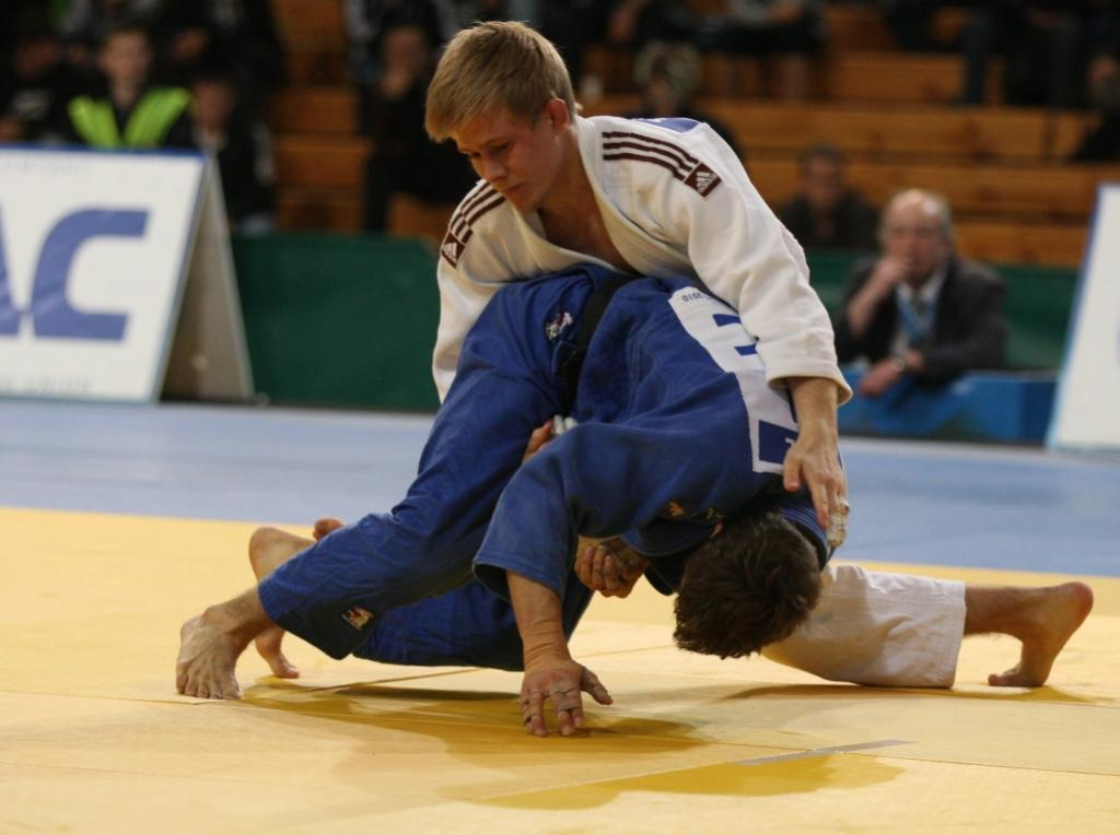 Sundstroem makes the difference for the host at Swedish European Cup