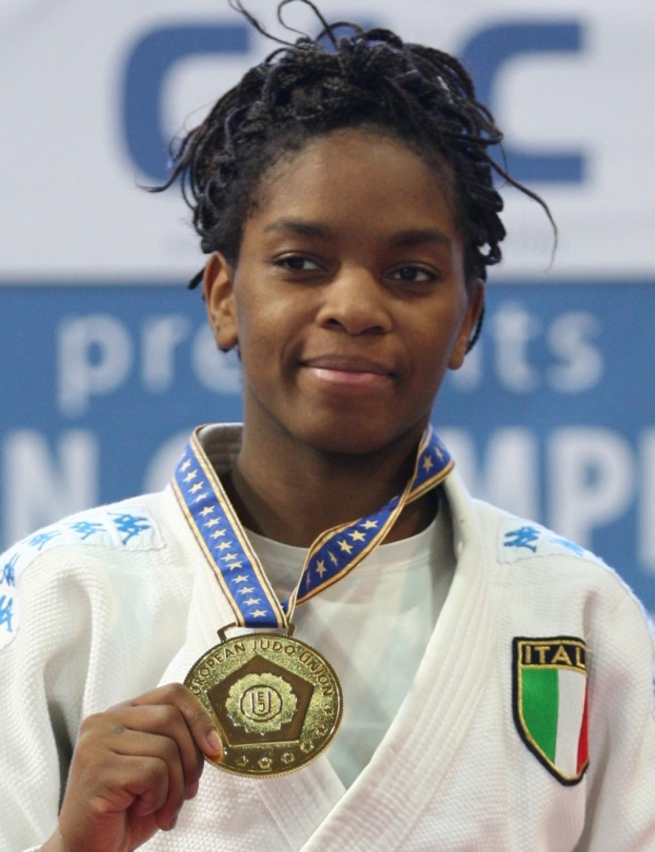 Gwend (ITA) and Chitu (ROU) take gold at World Cup Korea