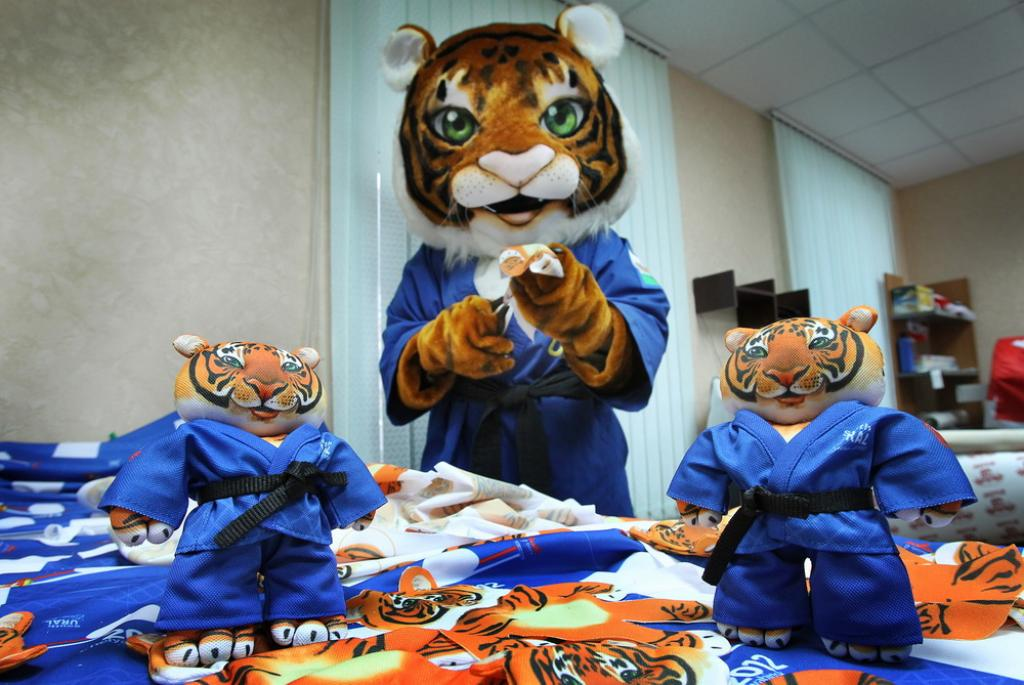 Chelyabinsk begins production of souvenirs for Euro2012