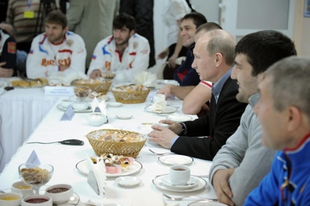 Vladimir Putin experiences Chelyabinsk' road to Euro2012