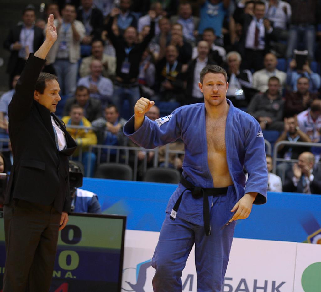 Mikhailin awards himself with 6th European title
