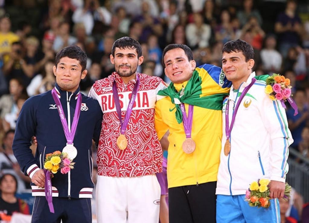 Russian Arsen Galstyan takes gold medal U60kg