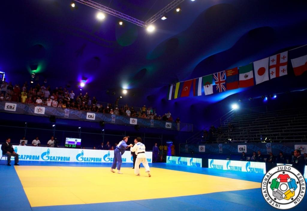 Japan claims the women's World team title