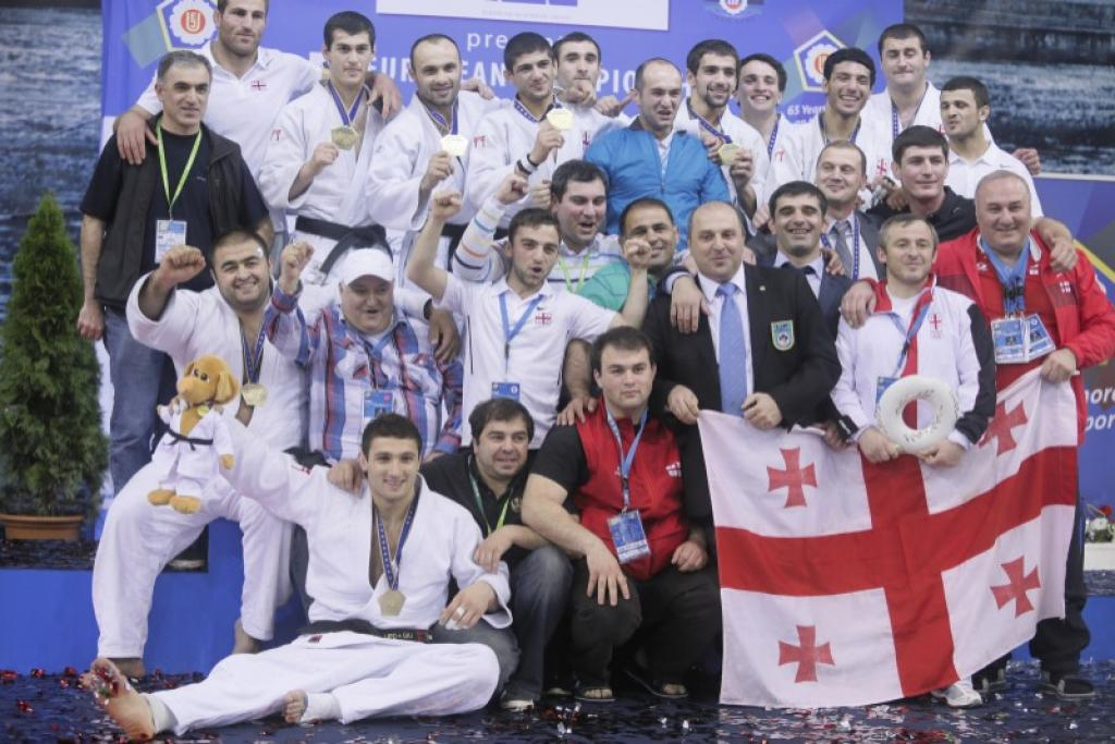 All reactions of the men's European Team medallists