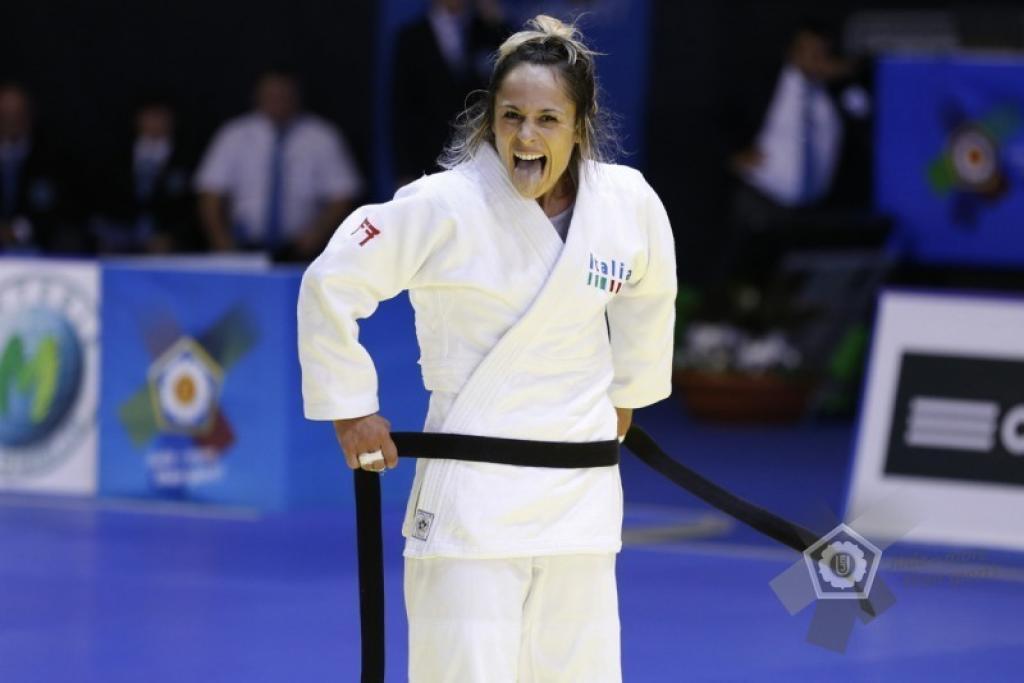 Rosalba Forciniti celebrates comeback with gold