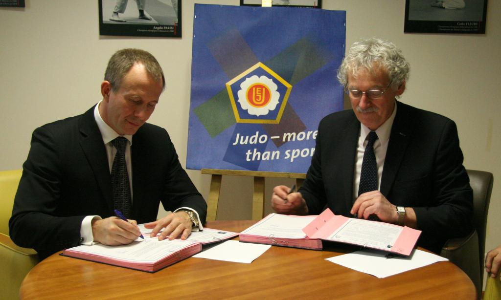 Cooperation between EJU and FFJDA for judo at school