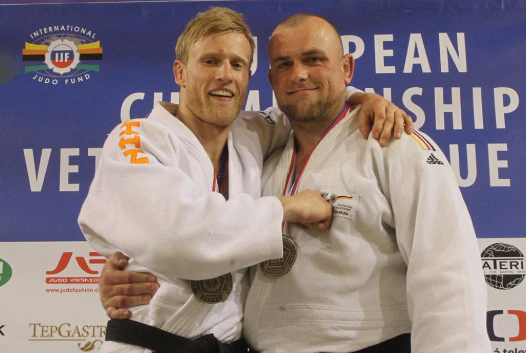GERMAN DUO PUSH RUSSIANS INTO SECOND PLACE IN PRAGUE