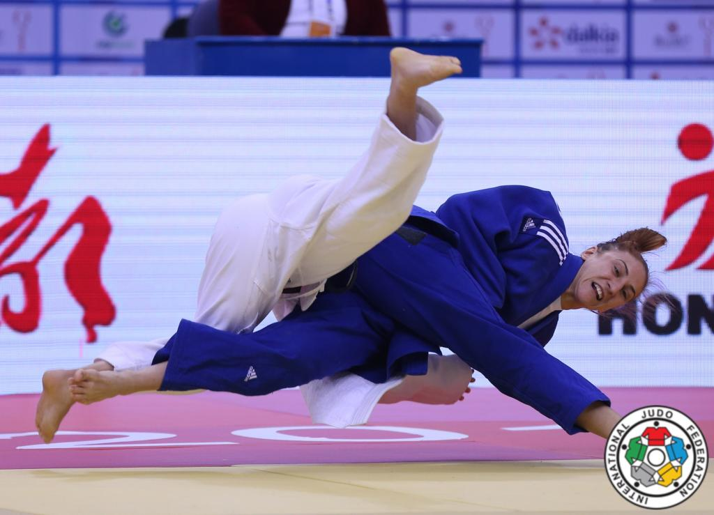 CLEAN SWEEP FOR EUROPE ON OPENING DAY OF QINGDAO GRAND PRIX