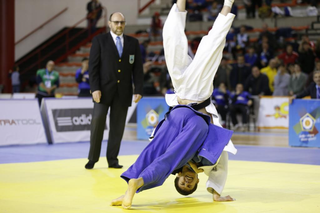 ITALY, THE NETHERLANDS AND SPAIN SHARE FIRST GOLD MEDALS IN FOLLONICA