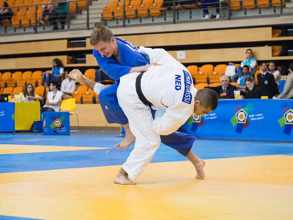 DUTCH DOMINATED DAY TWO OF COIMBRA