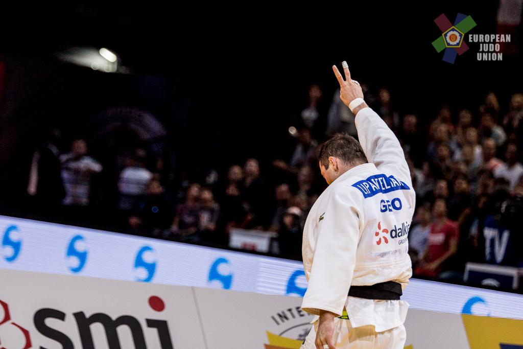 PARIS AGREES WITH LIPARTELIANI AS HE TAKES GRAND SLAM GOLD