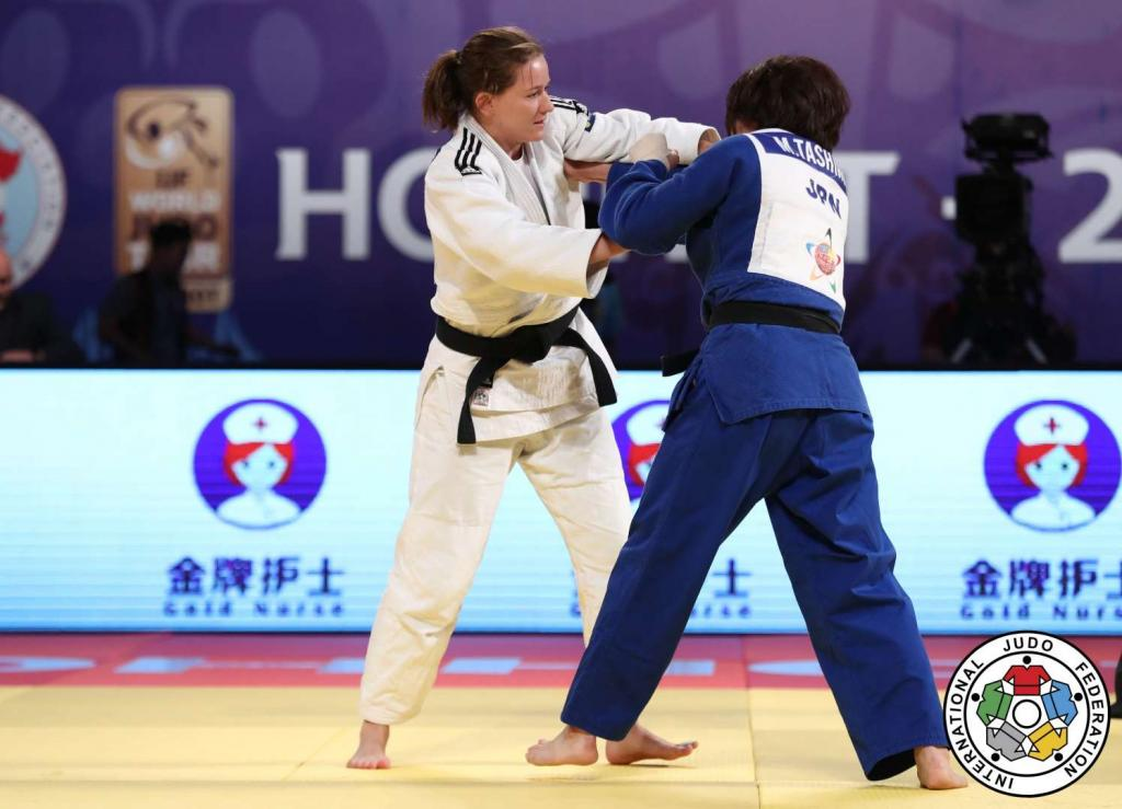 SLIM PICKINGS FOR EUROPEANS AT HOHHOT GRAND PRIX