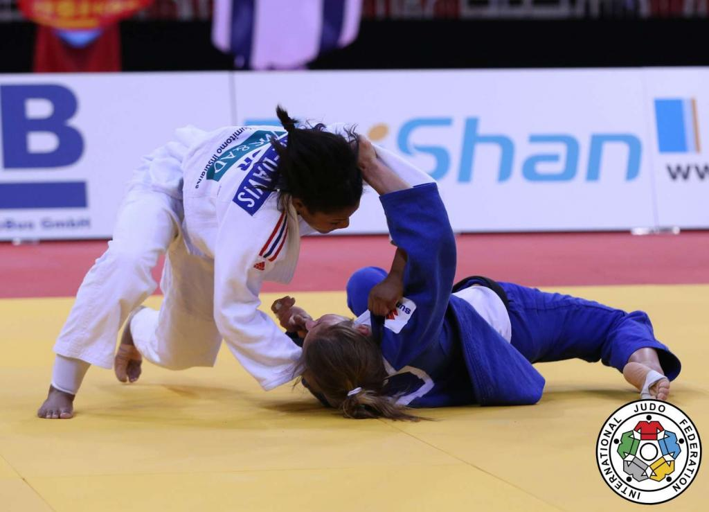 NO LUCK INVOLVED, NO PUNDITS REQUIRED AS SMYTHE DAVIS TAKES GOLD IN DUSSELDORF