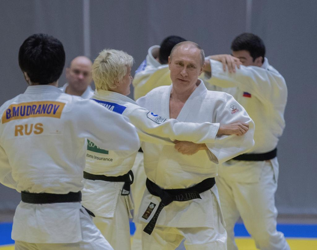 PRESIDENT PUTIN TRAINS WITH RUSSIAN NATIONAL TEAM
