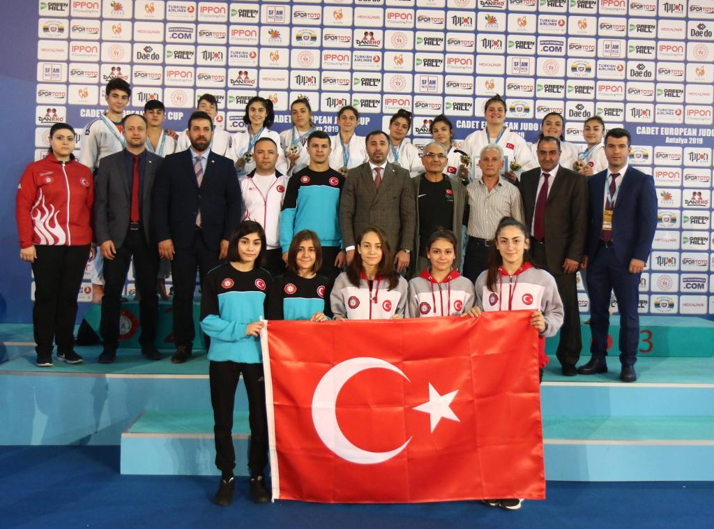 TURKEY'S YOUTH INDICATES SUCCESSFUL YEARS AHEAD