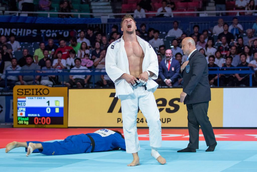THE DECADE WAIT FOR A DUTCH WORLD TITLE IS OVER