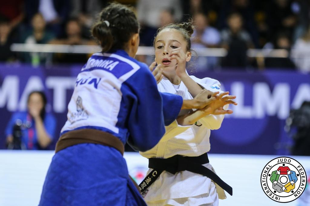 CLINICAL EFFICIENCY SHOWN BY MAMIRA IN GOLD MEDAL PERFORMANCE
