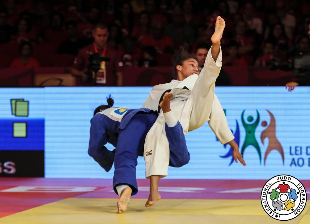 SMYTHE-DAVIS BACK TO WINNING WAYS WITH GOLD MEDAL IN BRASILIA