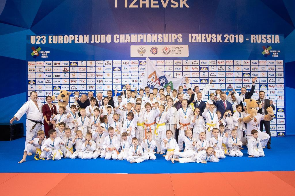 JUDO FAMILY FAN CAMP JOINS MAJOR EVENT IN IZHEVSK