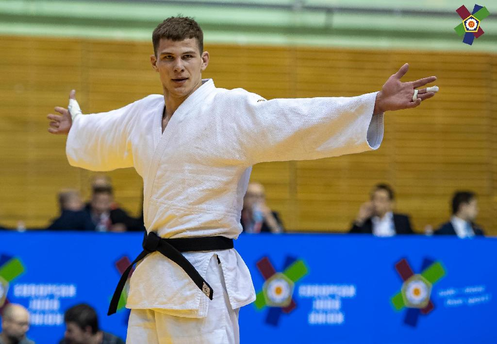 JUNIOR BELARUSIAN SIDORYK STEALS THE SHOW IN WARSAW