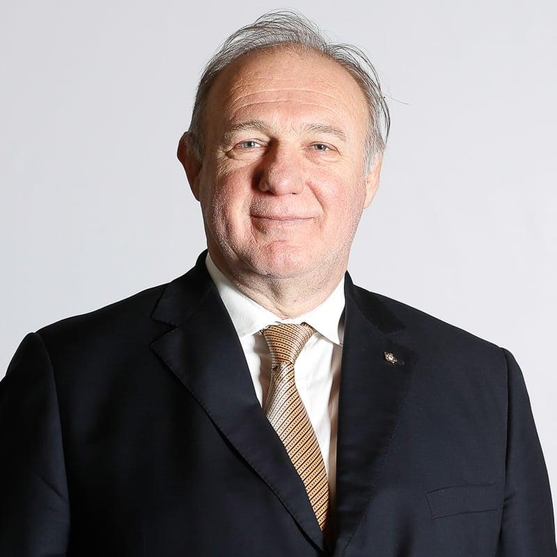 Dr. Laszlo Toth