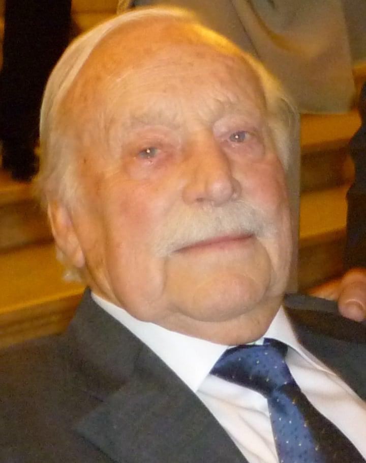 Mr. Jaap Nauwelaerts De Age (†)