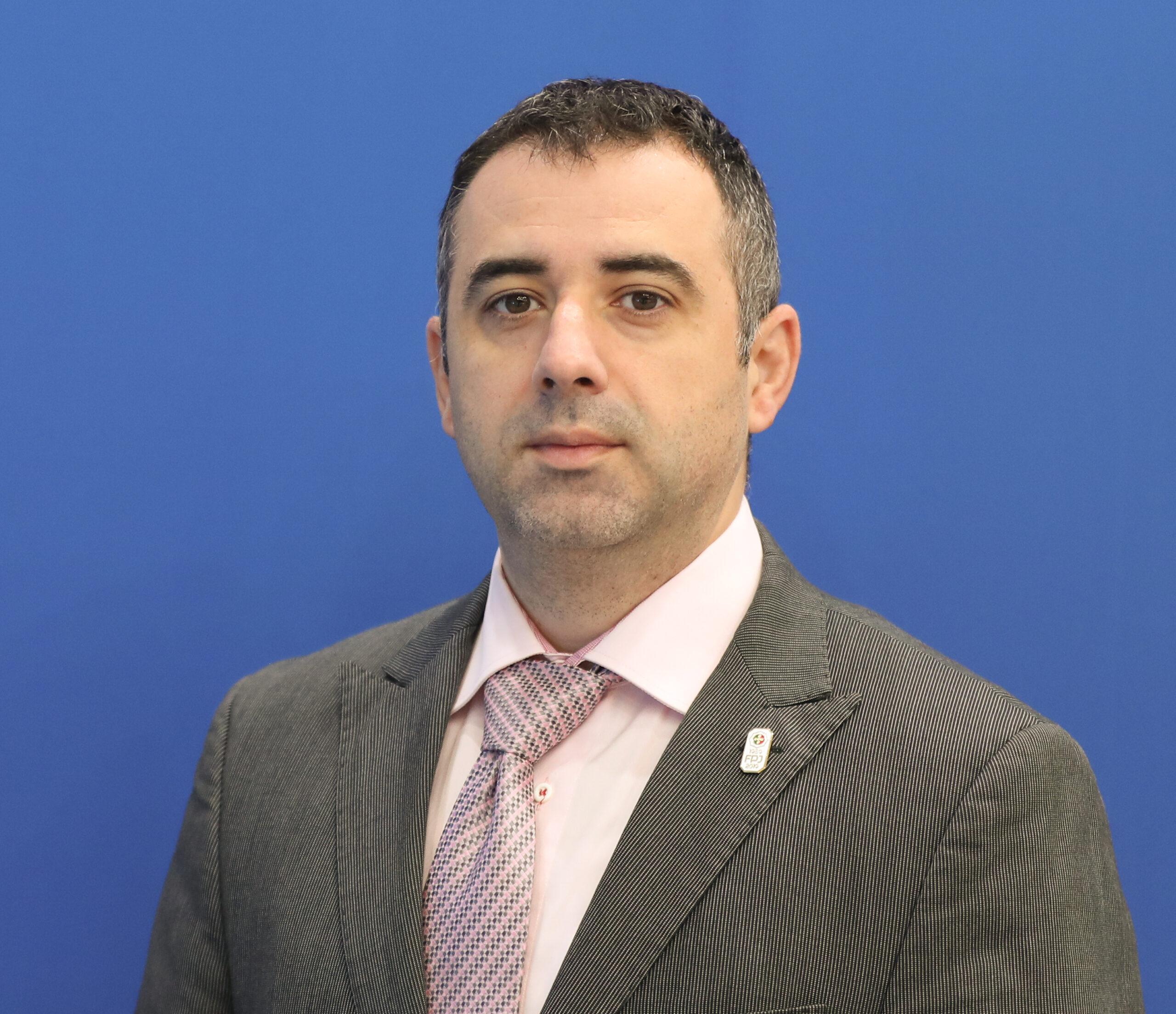 Mr. Sinisa Veir