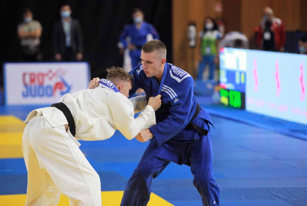 DUBROVNIK A HIT ON DAY ONE OF SENIOR EUROPEAN CUP